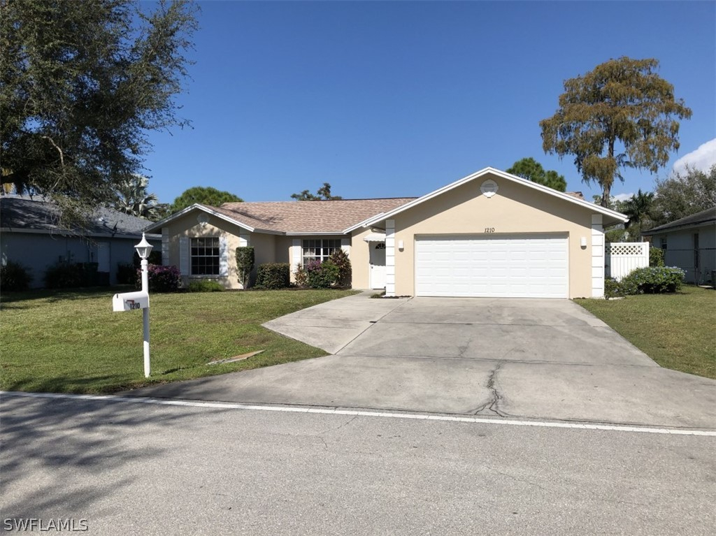 Forest Lakes, Naples, Florida Real Estate