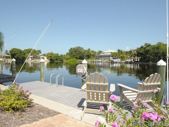 Sanibel Moorings, Sanibel, Florida Real Estate