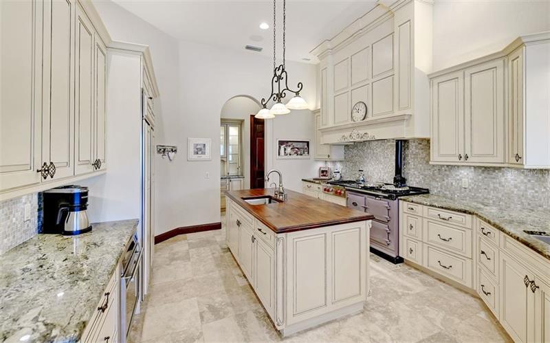 A4456557 Property Photo