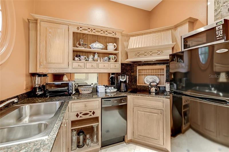 A4456744 Property Photo