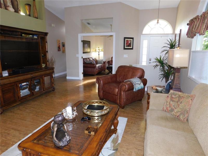 A4458624 Property Photo