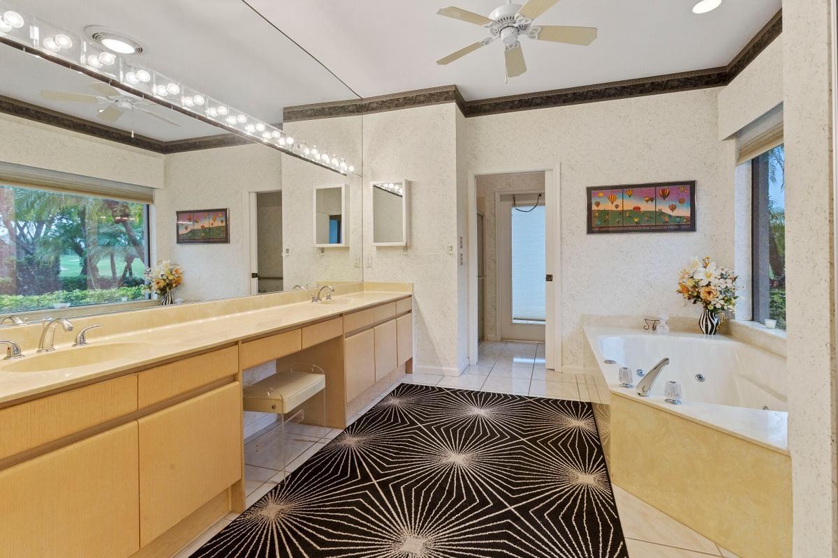 RX-10586837 Property Photo